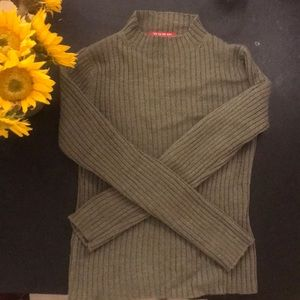 Ca va de soi mock turtleneck sweater